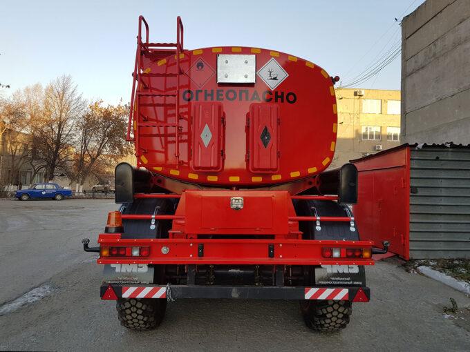 Полуприцеп-цистерна для транспортировки темных нефтепродуктов